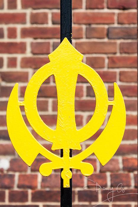 Khanda, Sikh emblem